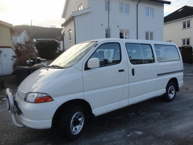 image TOYOTA HIACE D4D- 4WD LONG 9 PLACES