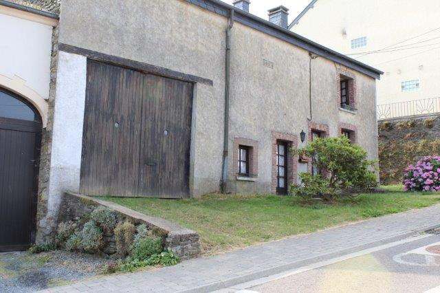 image 6838 CORBION : authentique maison en pierres, à rénover, 4ch, 17a55ca.