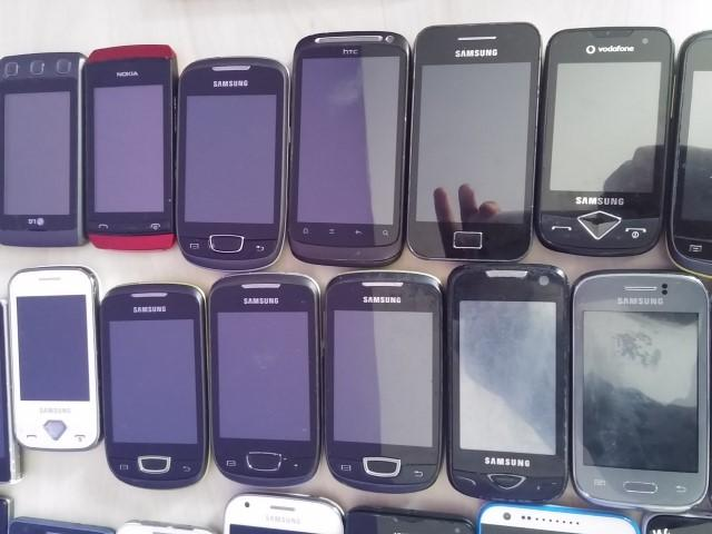 image Lot de 100 smartphones android de marques retour clients a 20€